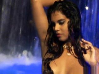 Sexiest Indian MILF Dancer