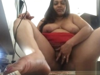 Indian aunty showing pussy and bigboobs
