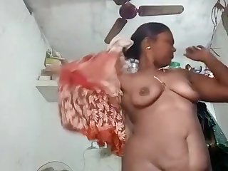 Bhopal Housewife Striptease