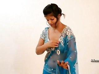 Tanishka Verma Sari Model